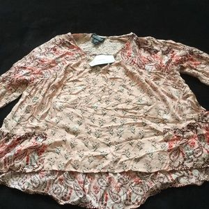 Women's blouse with tags